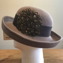 Ladies Brown Derby Hat Feather Wool Felt NWT Made in USA - $19.79