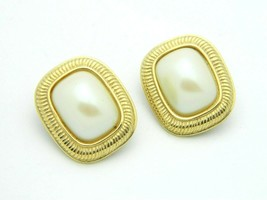 RICHELIEU Gold Tone Faux Pearl Rectangle Clip Earrings Vintage - $19.79