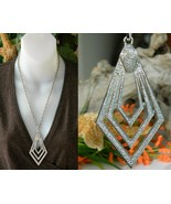Vintage Diamond Shaped Pendant Necklace Geometr... - $19.95