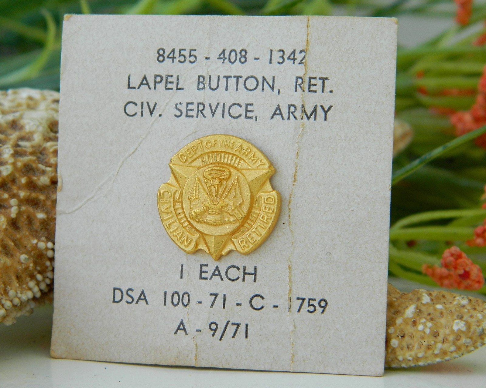 Vintage US Department Of The Army Civilian Service Retired Lapel Pin