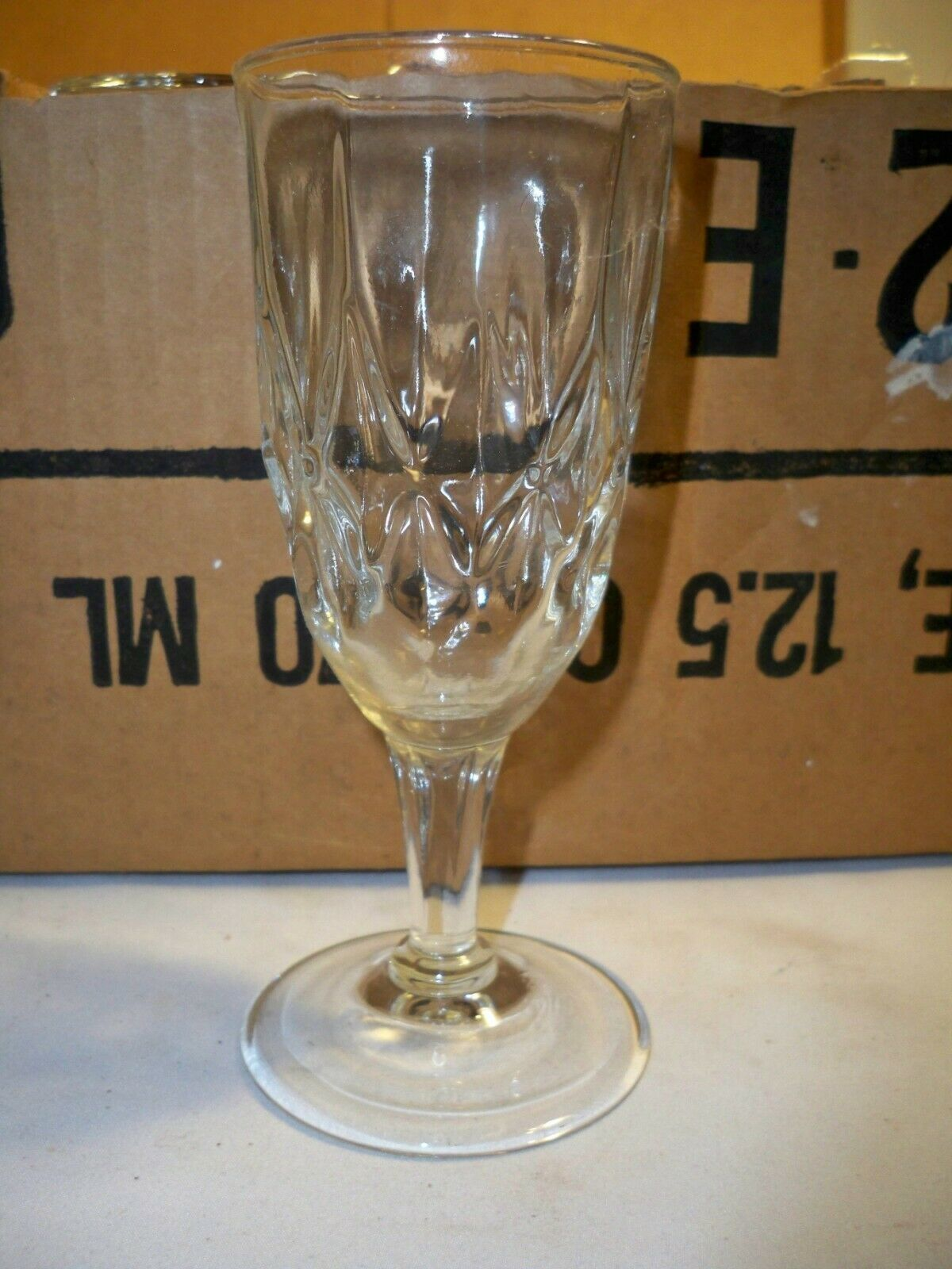 "Primary image for ANCHOR HOCKING CLEAR 6"" 12.5 OZ Champagne flutes large lot case of 36 glasses"