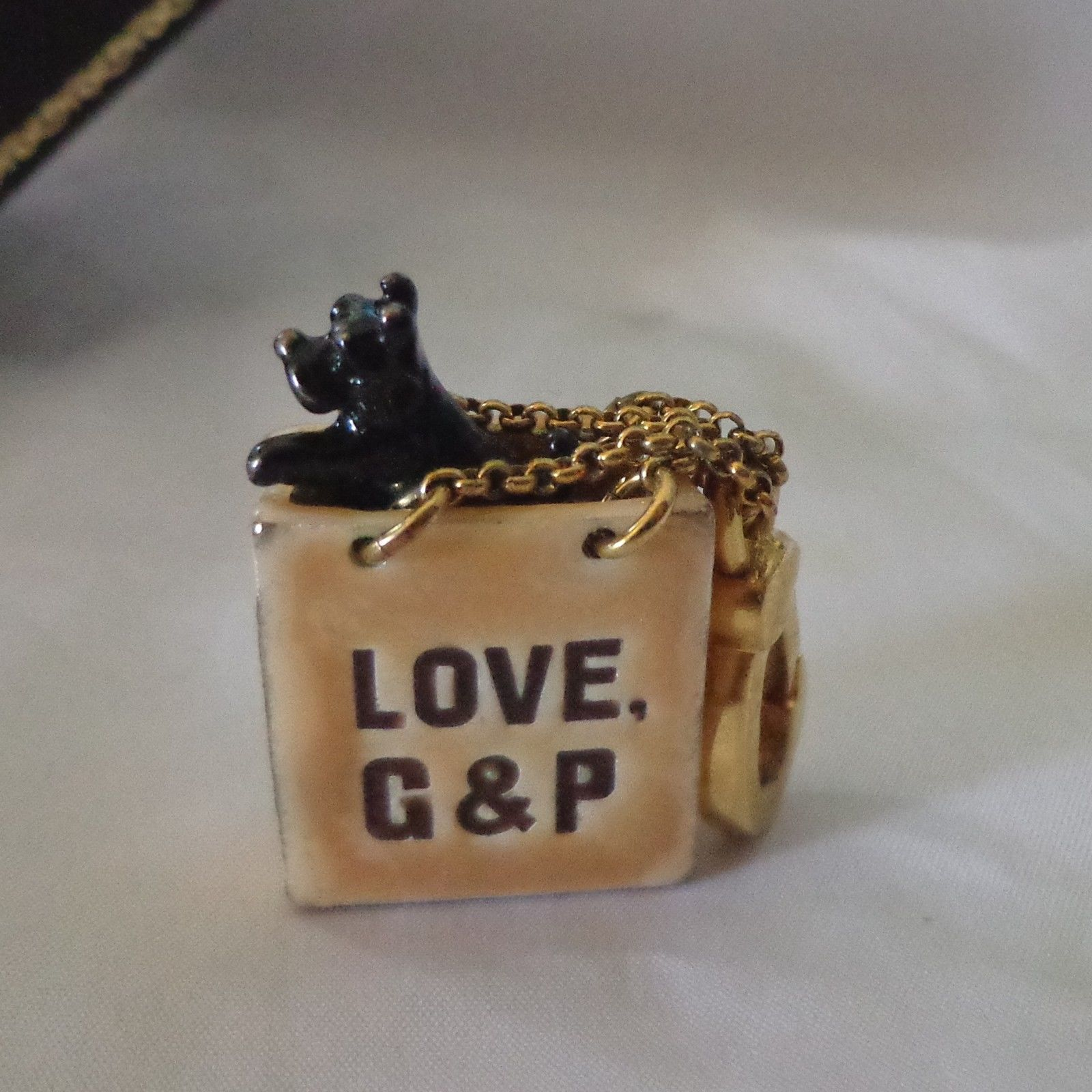 NIB - JUICY COUTURE Yorkie Dog in A Shopping Bag Charm - So Adorable