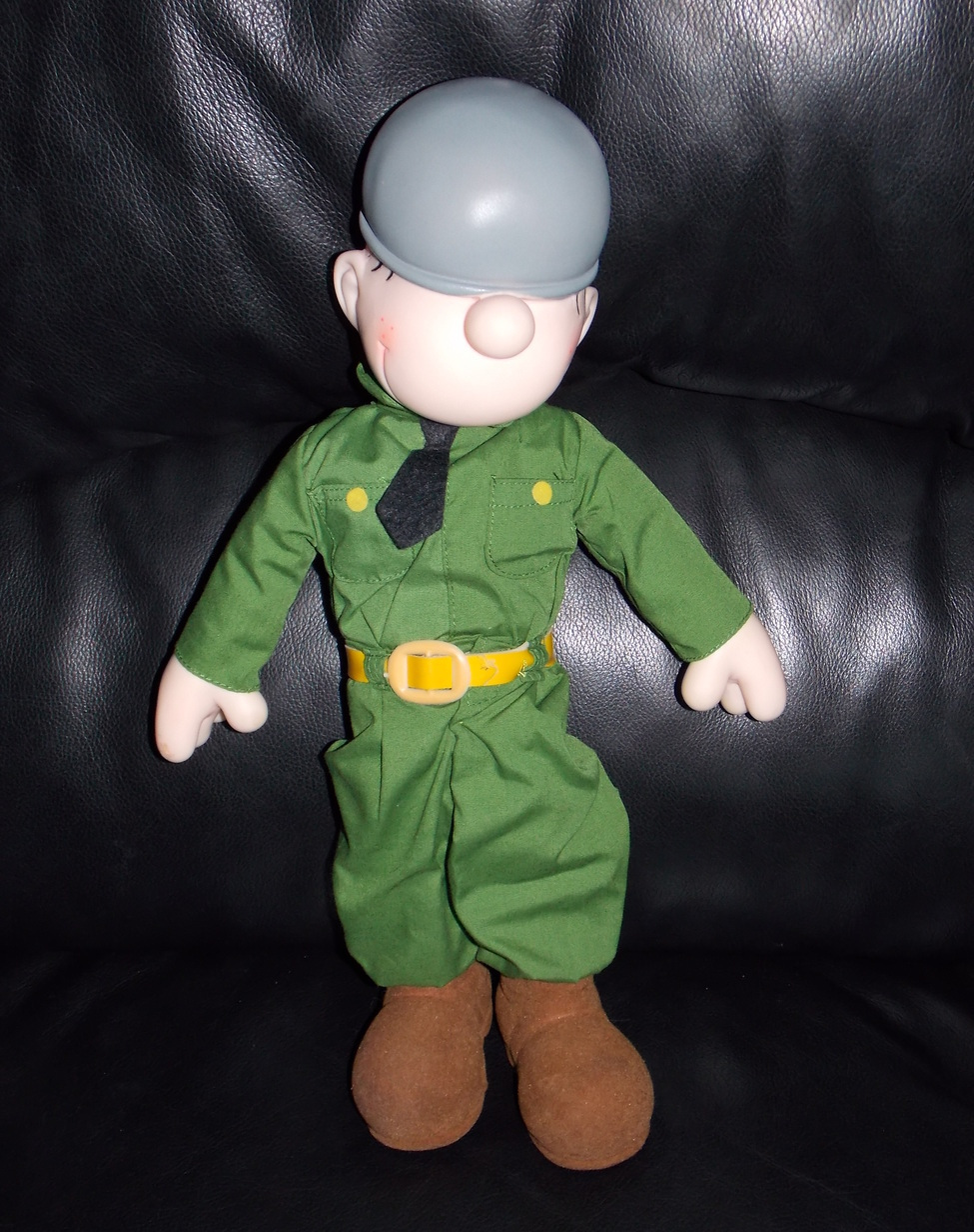 Vintage 1985 Beetle Bailey 14 inch Comic Plush Toy Doll