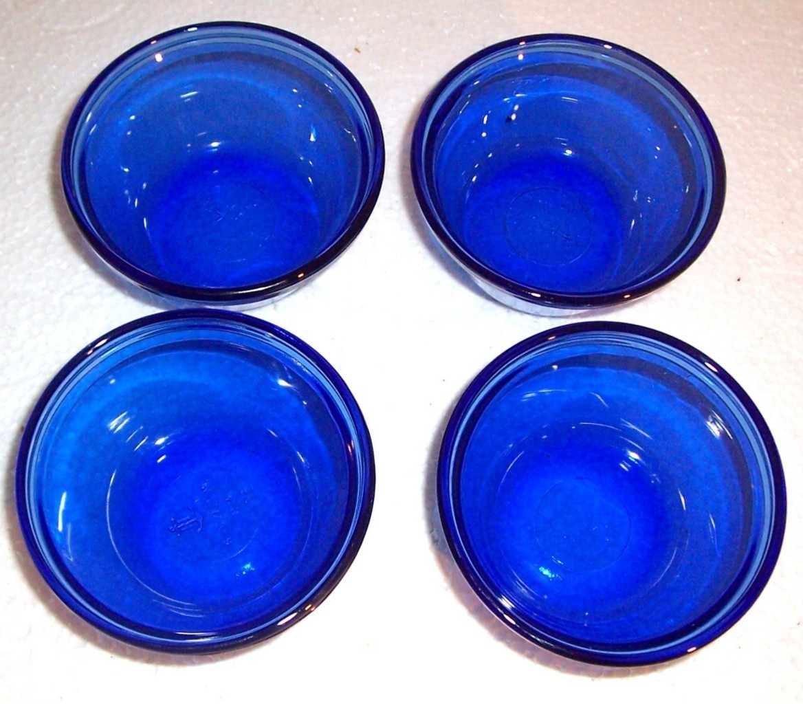 Primary image for Anchor Hocking (4) Cobalt blue Custard Style Glass Bowls 6 OZ