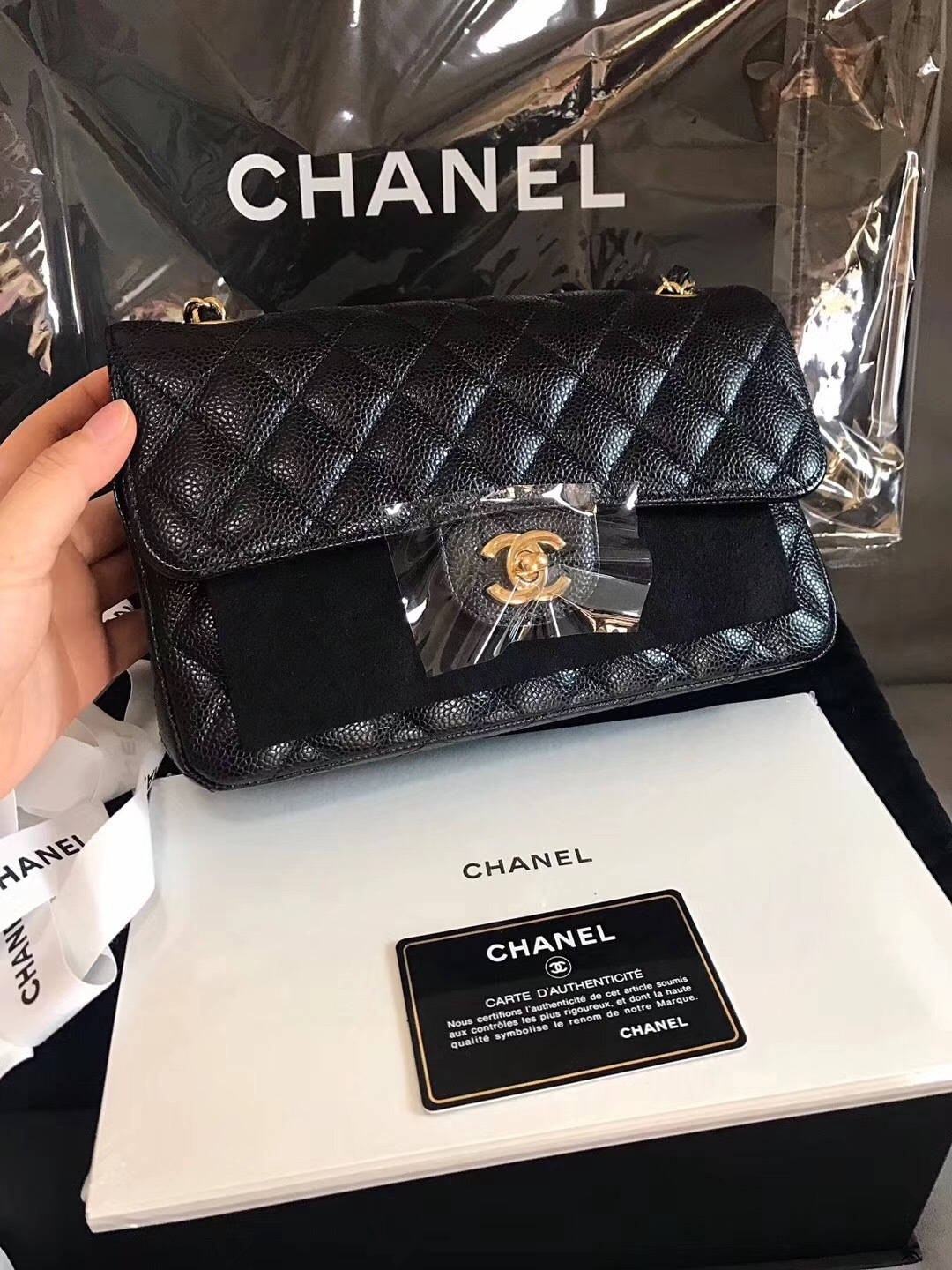 c893096b90c05 BRAND NEW AUTHENTIC CHANEL 2017 BLACK CAVIAR SMALL DOUBLE FLAP BAG GHW RARE