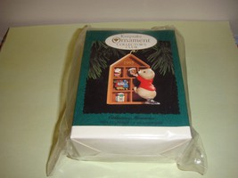 Hallmark 1995 Collecting Memories Ornament - $7.49