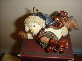Boyds Bears Folkstone Chilly With Wreath Ornament  - $14.49