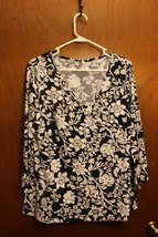 White Stag Women's Black & White Floral 3/4 Sleeve Top - Size XL - $11.99