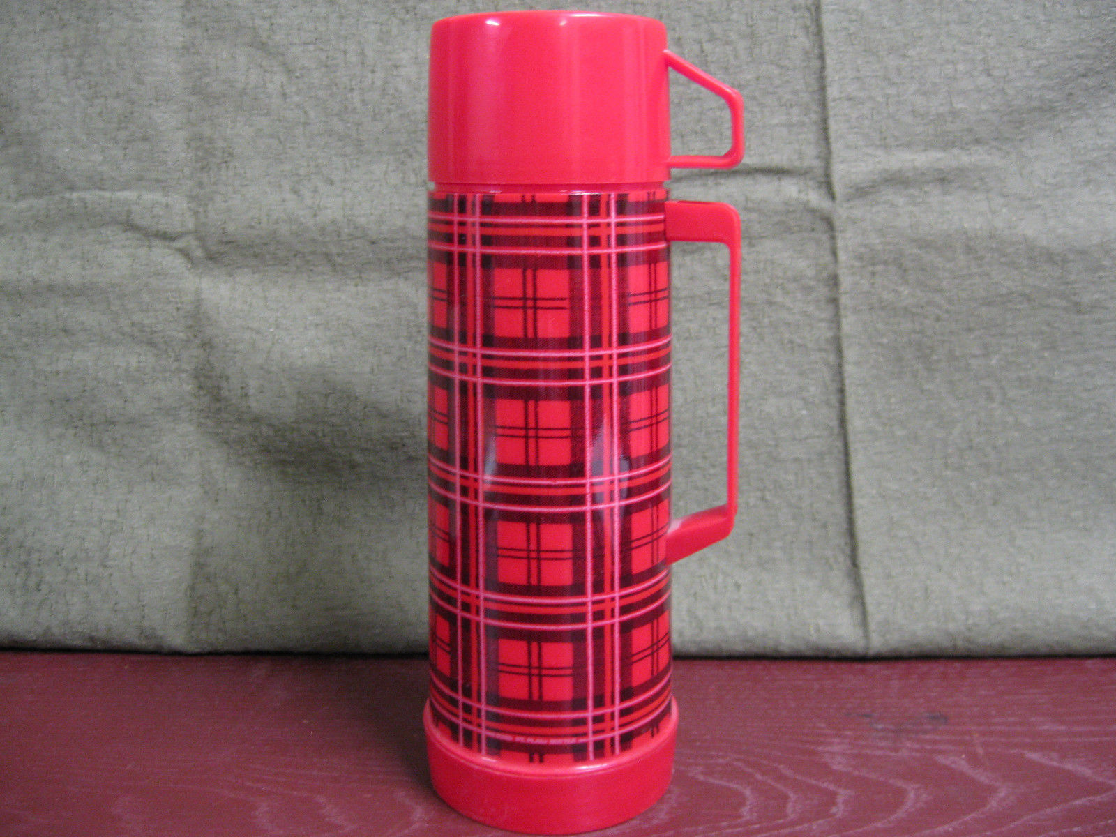 Vintage Aladdin Pint Thermos Plastic Glass Liner Red Black Plaid # 30, 012C, 223
