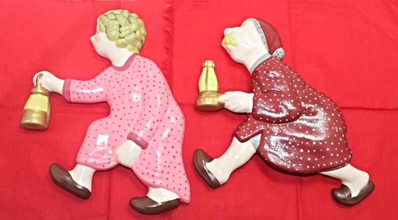 Vintage Kitsch Ceramic Wall Decor Race to The Out House Man & Woman In Pajamas