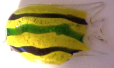 GLASS ART GORGEOUS DESIGNS YELLOW WITH GREEN GLASS FISH