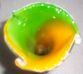 GLASS ART MURANO STYLE ORANGE/GREEN GLASS TULIP VASE