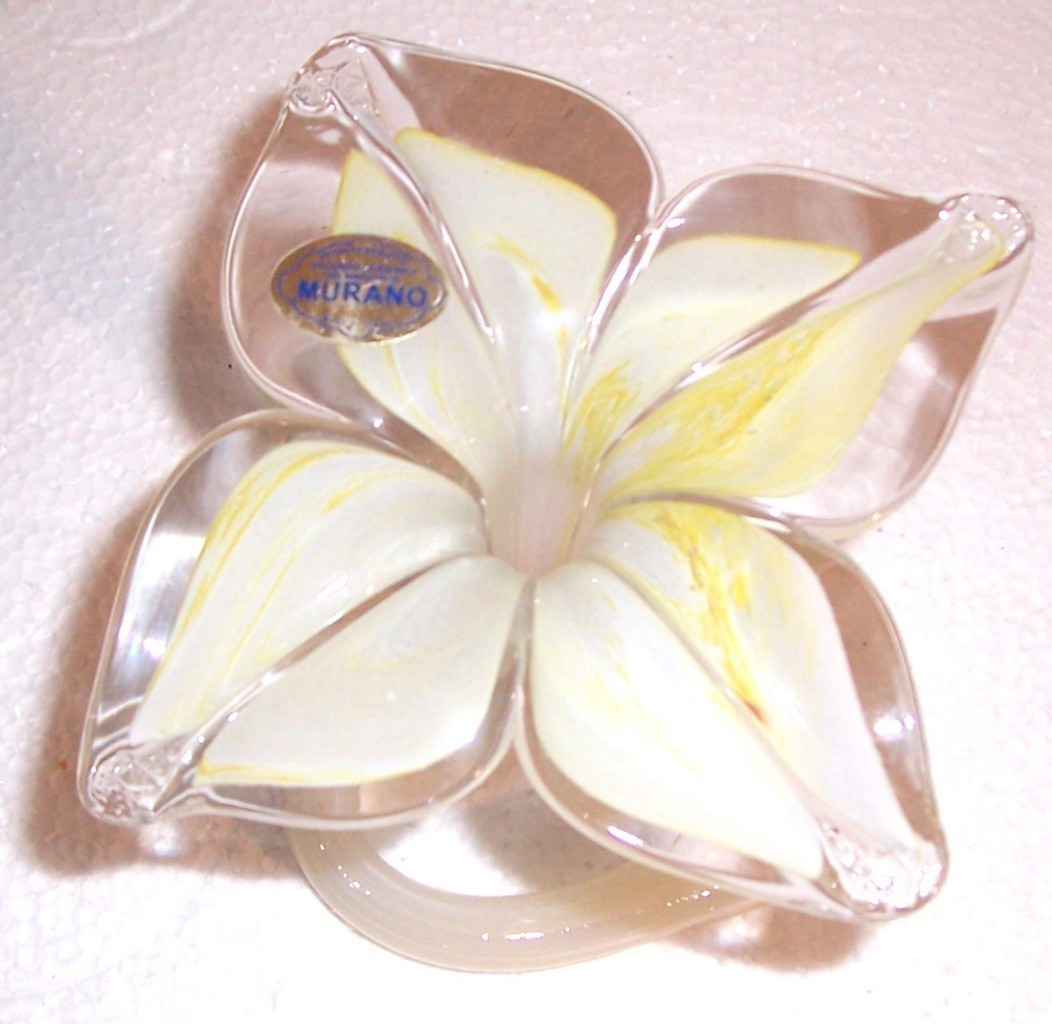 GLASS ART MURANO VETRO ESEGUITO HANDBLOWN PETAL FLOWER