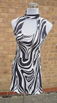 Retro Black / White 60's / 70's Dress Swirl / Mary Quant size Small 10/12 + Cap - $36.97