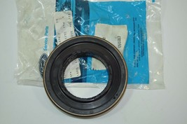 Ford Nos Oem Heavy Truck Oil Seal Part# E5HZ-4676-C - $11.63