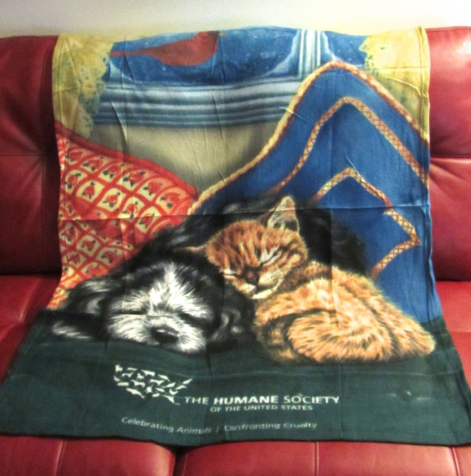 Collectible Humane Society of the United State Kitten/Puppy Fleece Throw Blanket