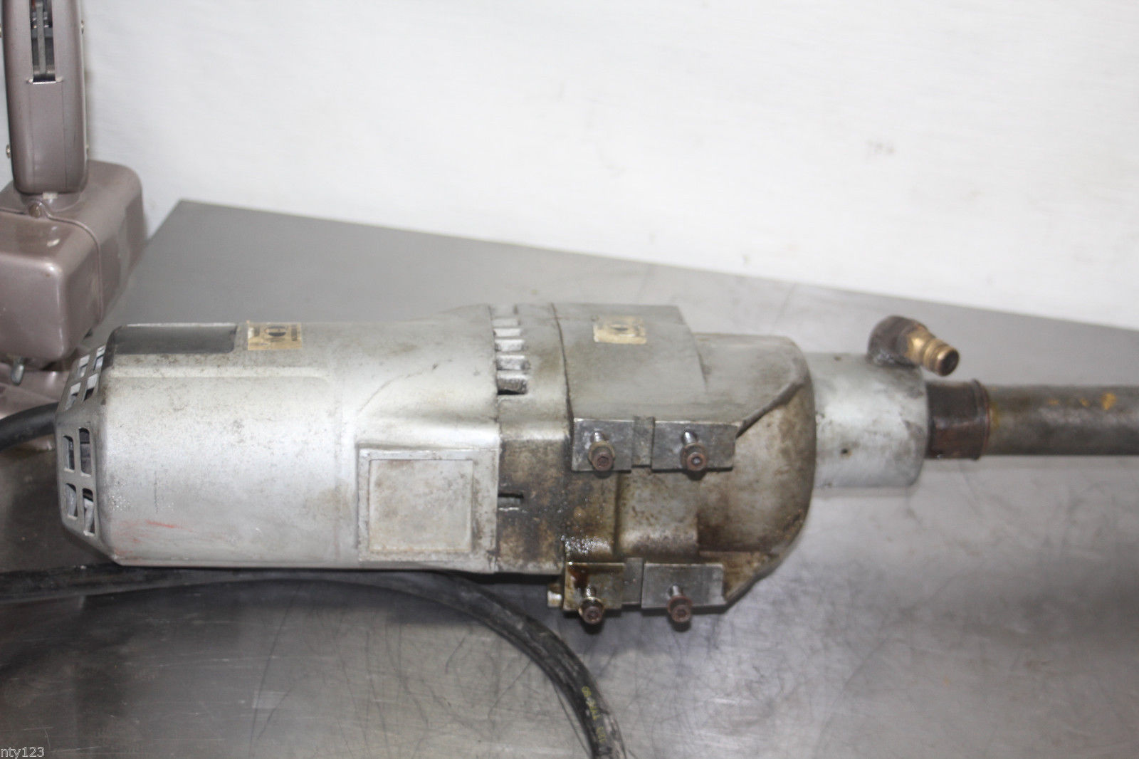 Milwaukee core drill motor 4079 with diamond bit core for Milwaukee core drill motor