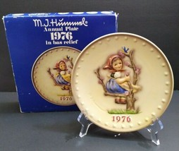 Vintage 1976 M J Hummel Annual Collector Plate In Box Goebel Girl in Tree - $14.93