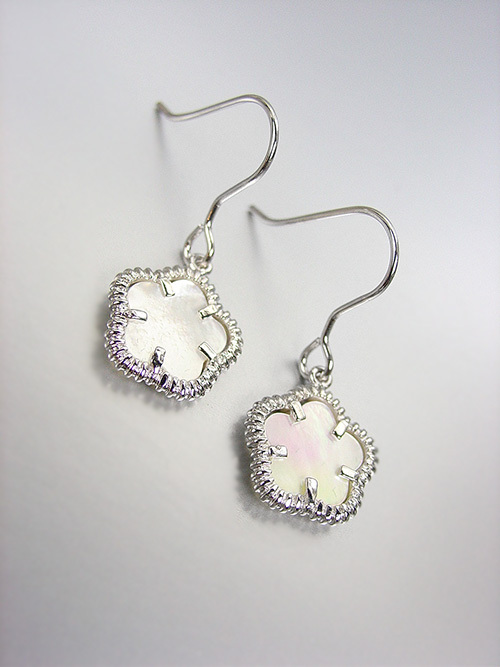 Primary image for ELEGANT 18kt White Gold Plated Mother Pearl Shell CLOVER Petit Dangle Earrings