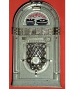 AM/FM Jutebox Style Radio - $9.95