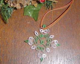Paper Quill Snowflake Ornament Green Handcrafted New - $9.99