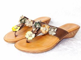 Nautralizer Leather Flower Sandals 6 1/2 Faux Crystal Rhinestones - $20.95