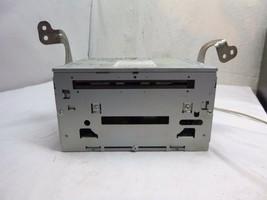 10 11 Mitsubishi Oulander Radio Cd Mechanism 8701A299 Bulk 110B - $42.77