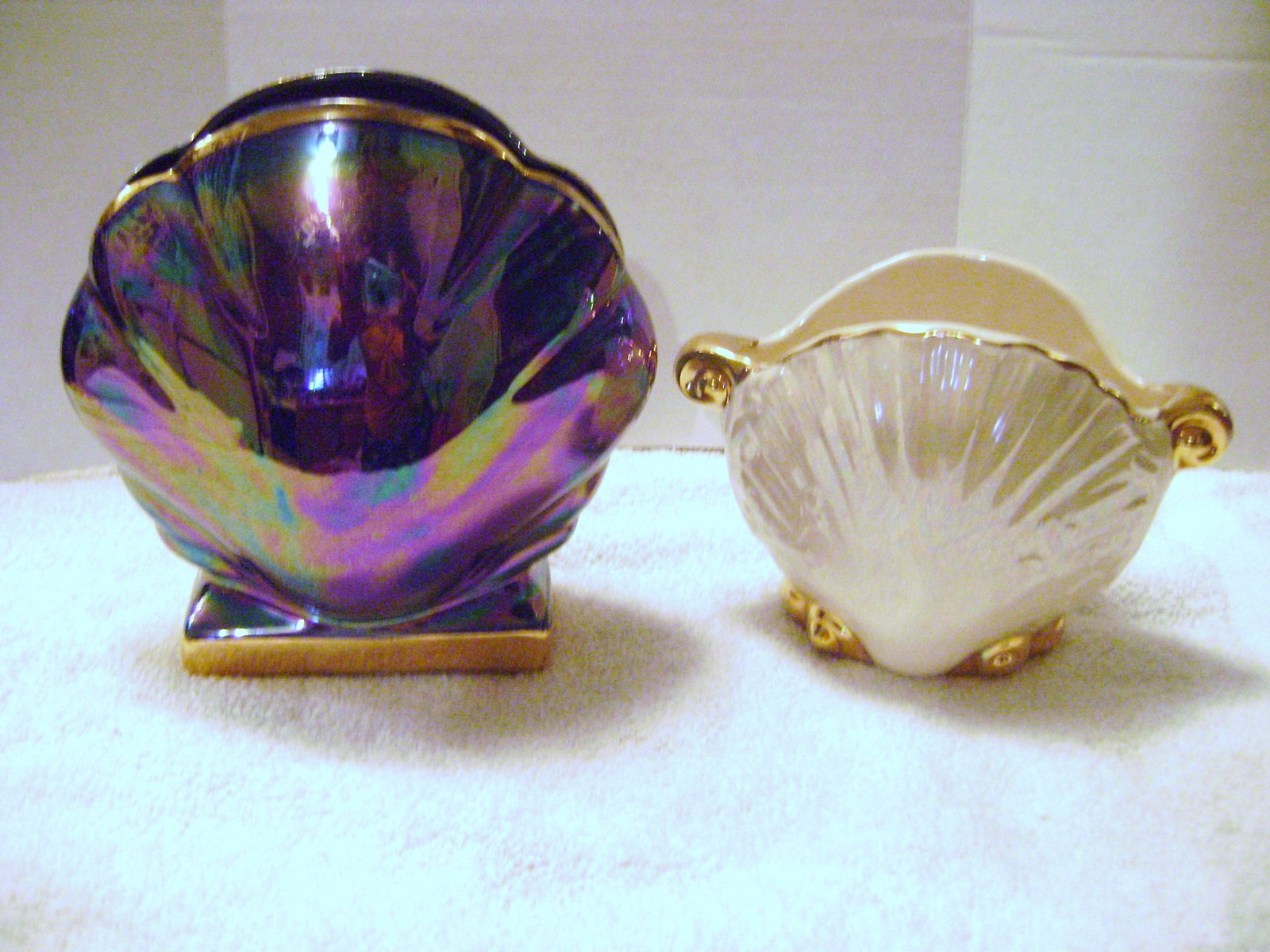 Primary image for Ceramic Iridescent Shell Shaped Vases