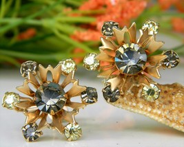 Vintage Snowflake Flower Chartreuse Rhinestone Screw Back Earrings  - $15.95