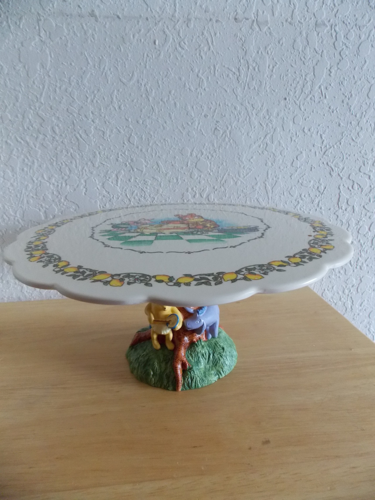 Primary image for Disney Classic Winnie the Pooh Cake Pedestal