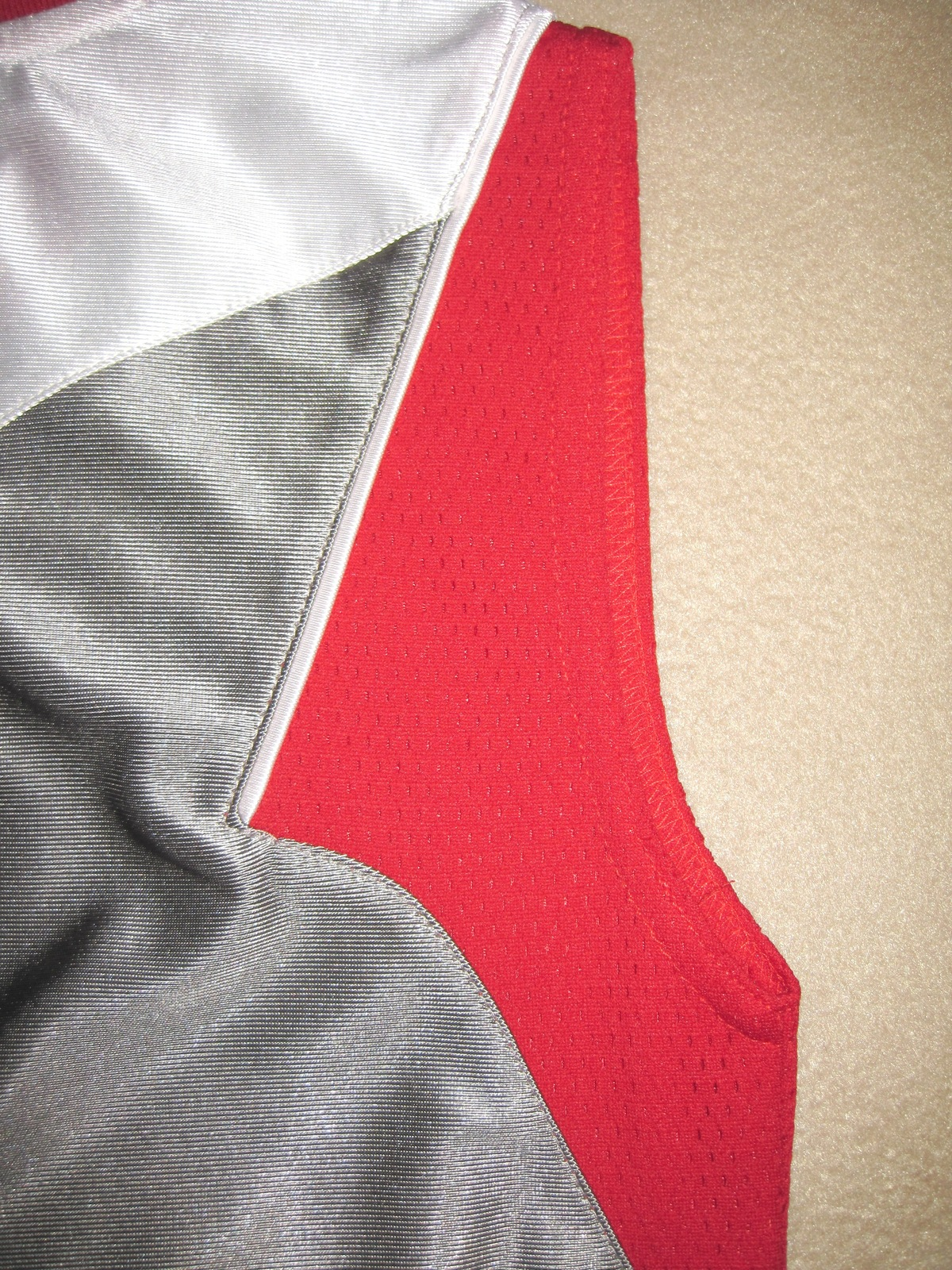 BOYS 7 - Nike - Flight Grey-Red-White BASKETBALL SPORTS JERSEY image 4