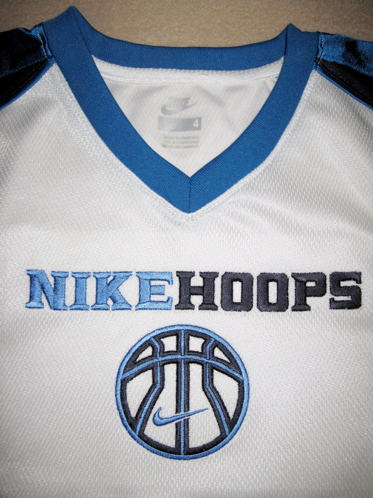 BOYS 6 - Nike Hoops - White-Electric Blue-Black BASKETBALL SPORTS JERSEY image 5