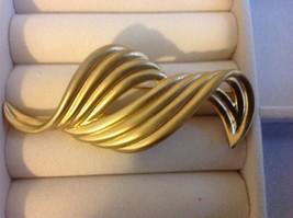 Brooch or Pin Wave Design. All Metal. Signed LIz Clairborne,Gold Color. - $6.99