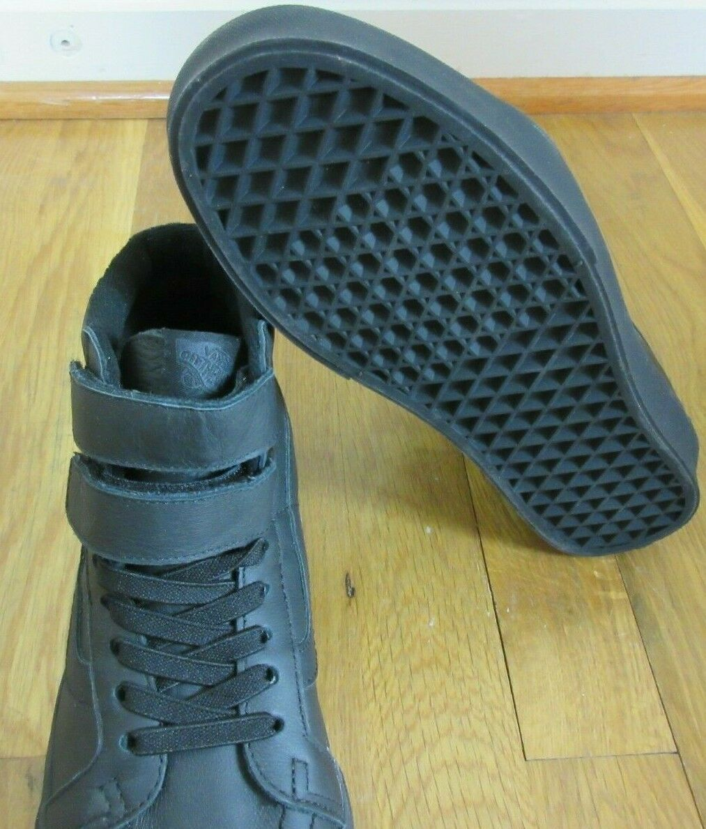 Vans Womens Sk8-Hi Reissue V Mono Leather All Black Skate shoes Size 8 NWT
