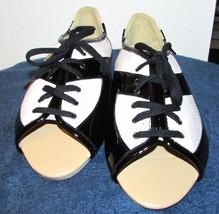 Paco Gil Women's Leather Peep Toe Flats Designer Oxfords Size: 6 M