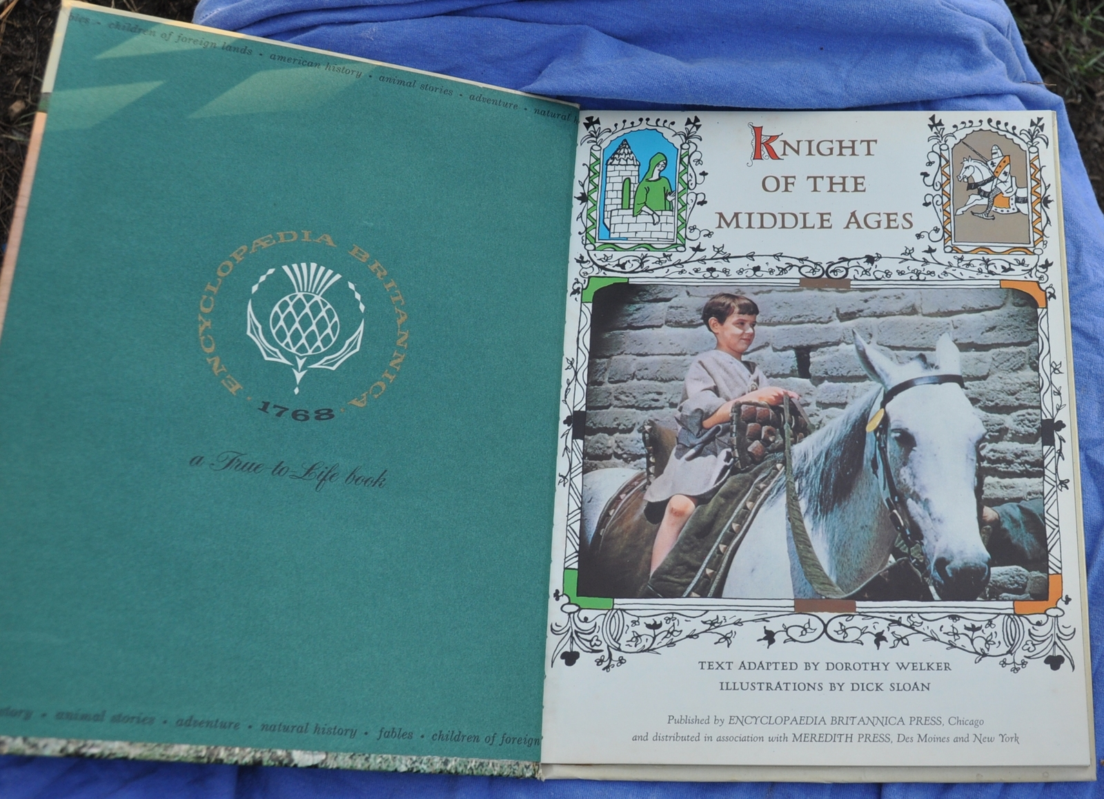 RARE VINTAGE Knight of the Middle Ages - Encyclopaedia Britan 1962 - Children Bk