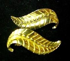 Sarah Coventry Leaf Earrings Clip Back Smart Set Gold Plated Vintage Costume - $24.22