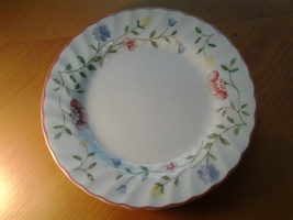 "Johnson Brothers Summer Chintz, Bread & Butter Plate 6.25""  - $5.20"