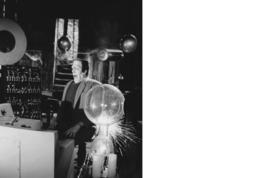 Munsters Lab Fred Gwynne MM Vintage 8X10 BW Comedy TV Memorabilia Photo - $5.99