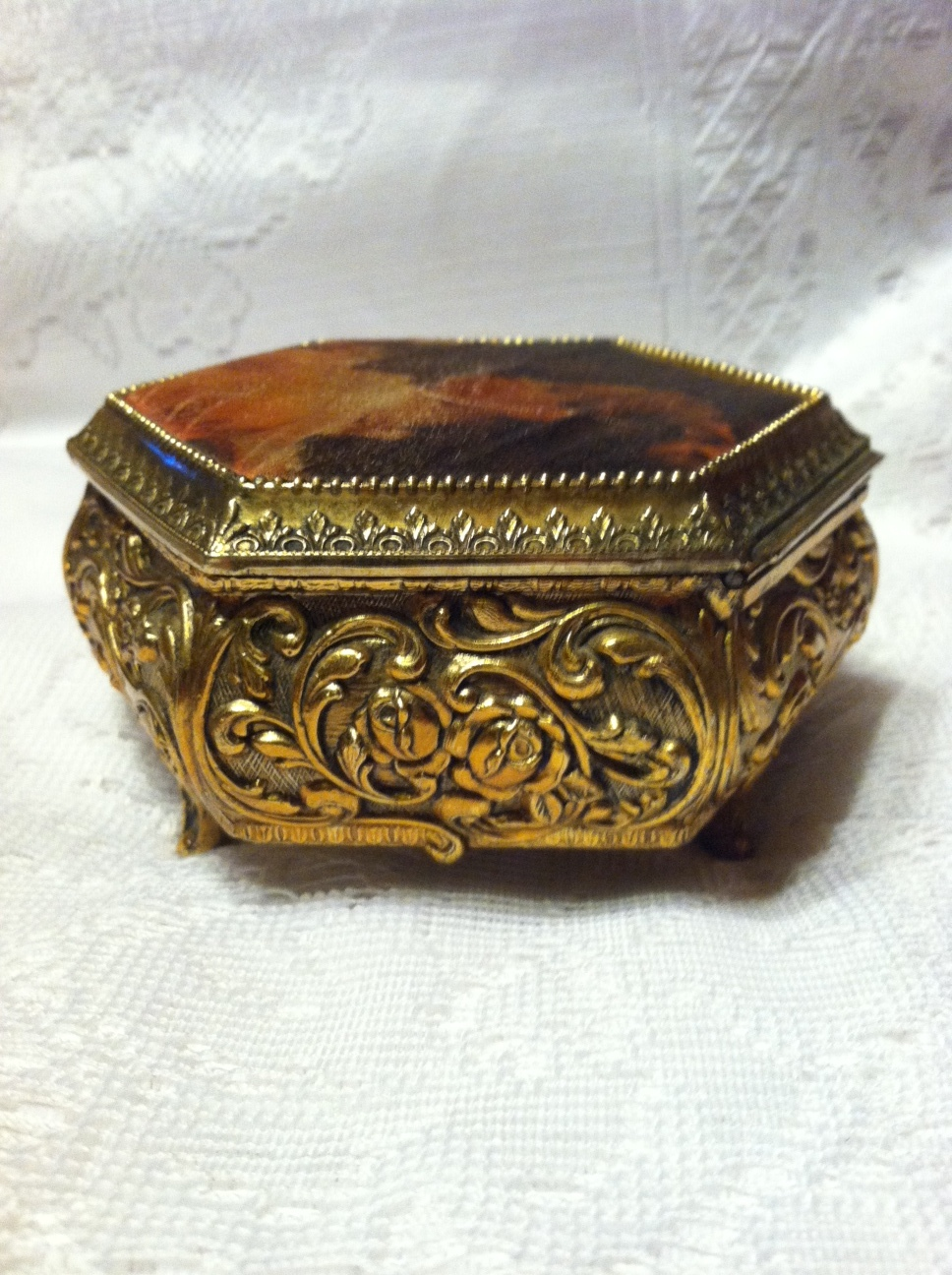 vintage sankyo music box ornate ornate gilt style cloth
