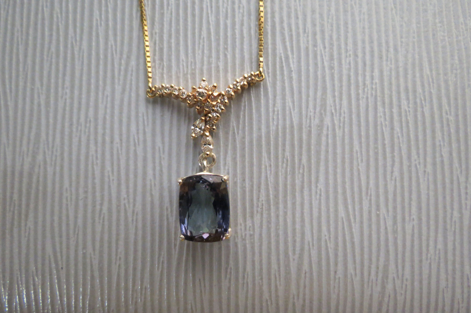 Flawless Huge 8.3 ct Natural Tanzanite & diamond 18k gold drop pendant Necklace