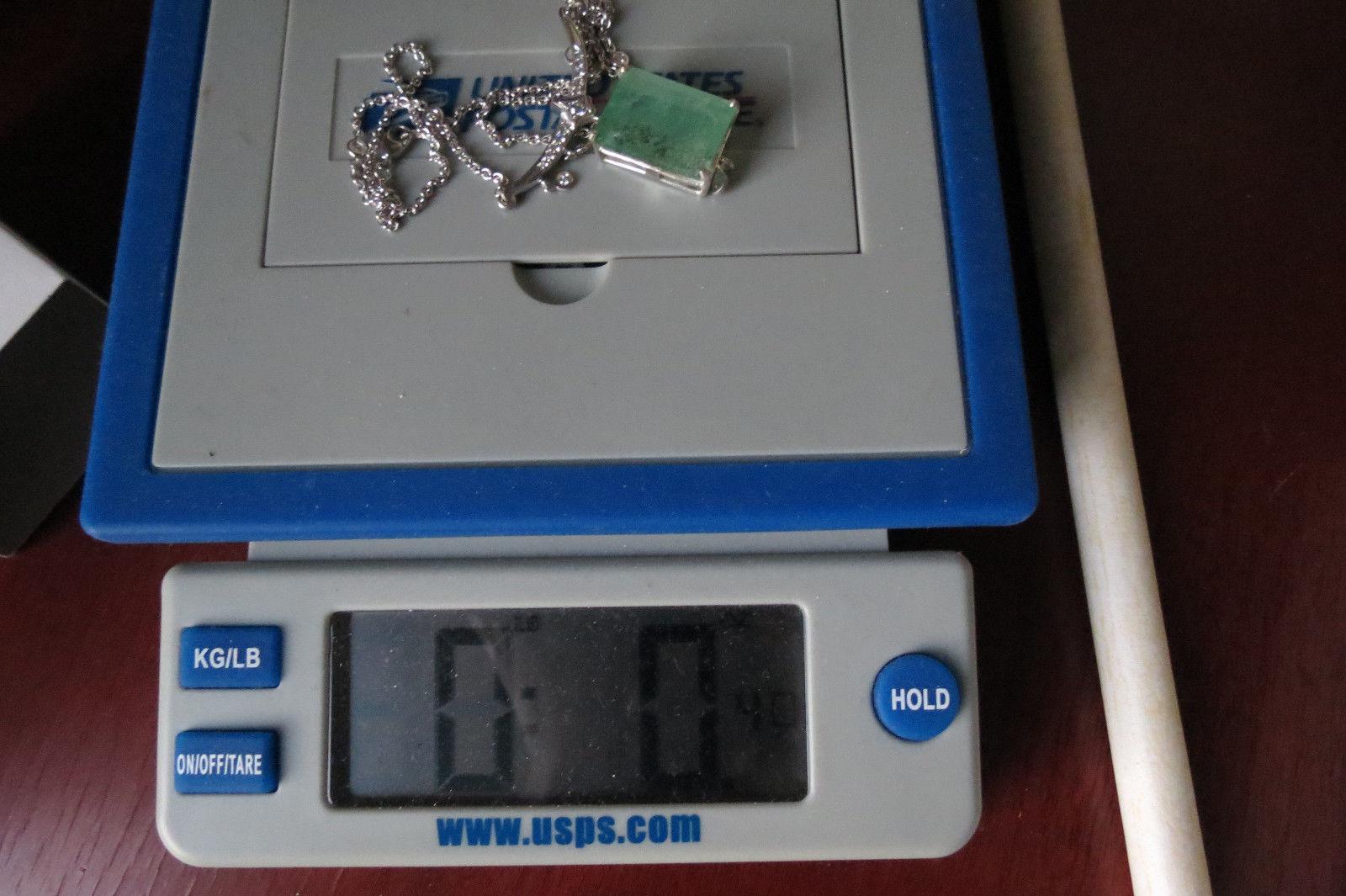 Estate 24.72 Ct  Natural Colombian Emerald 18k gold  drop pendant necklace