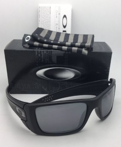 New OAKLEY Sunglasses FUEL CELL OO9096-82 60-19 Matte Black with USA Logo+Mirror