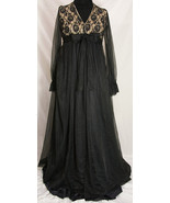 Vintage 1950s LeVoy's Black and Nude Lace Negligee with Matching Robe - $109.99