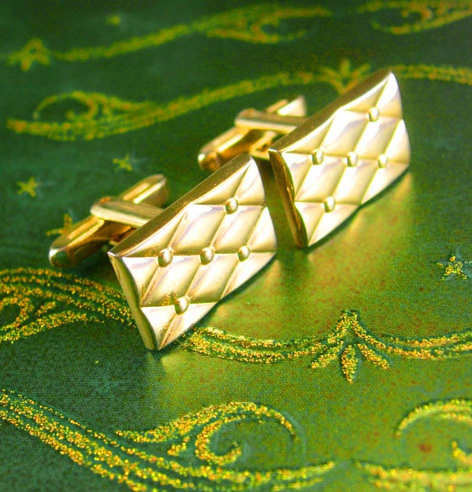 Primary image for Classy Quilted Gold Cufflinks Vintage Designer Elegance Hickok Men's Fine Cuff J