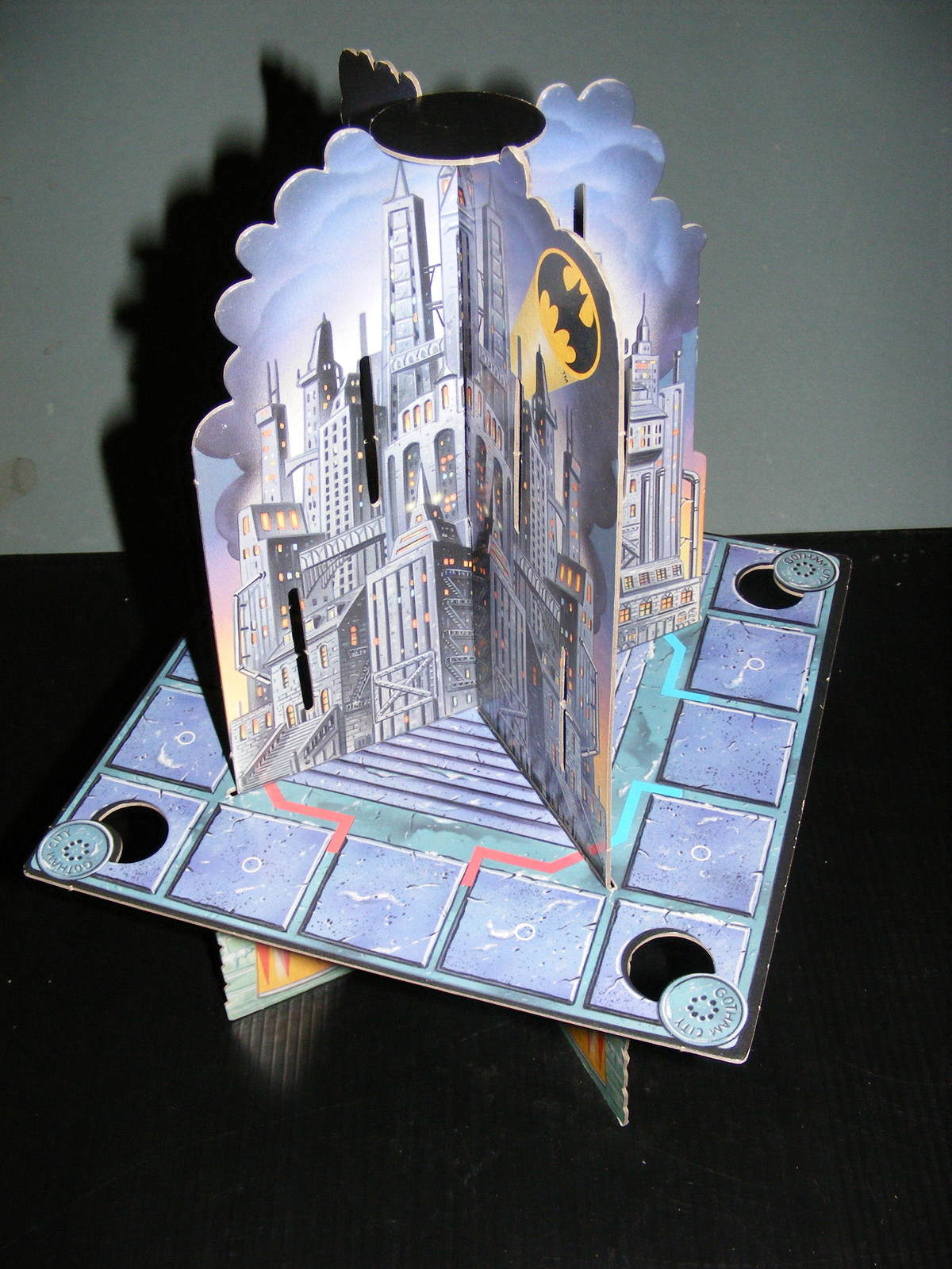 Primary image for 1992 Batman Returns Game - 4 Piece 3-Dimensional Gotham City