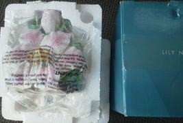 Lily Nightlight Avon Large Ceramic Flower Buds Pink 3D Floral Bouquet Light NEW - $18.99