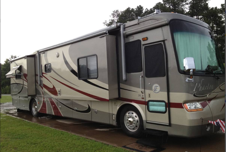 2006 Tiffin Phaeton FOR SALE IN Lufkin, TX 75901