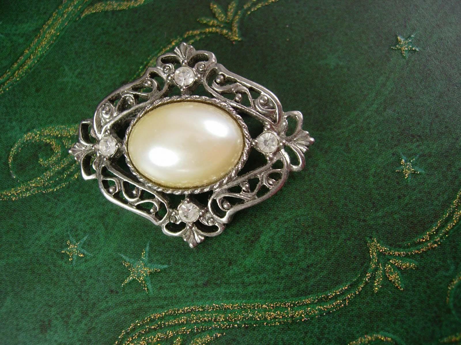 Edwardian Style Brooch Vintage Faux Pearl Rhinestone Pin