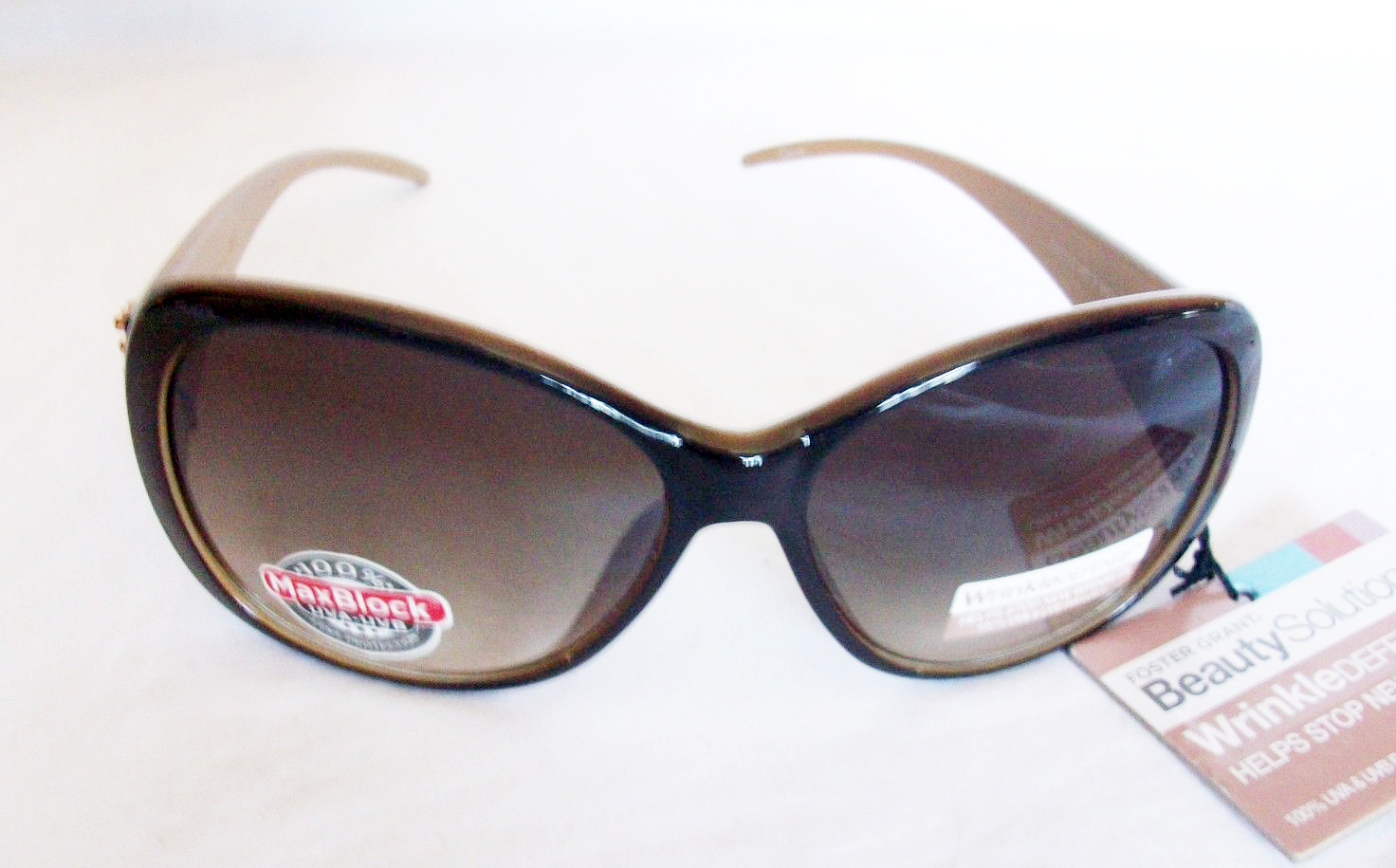 Primary image for FOSTER GRANT WRINKLE DEFENSE SUNGLASSES BROWN WITH BRONZE STUDS